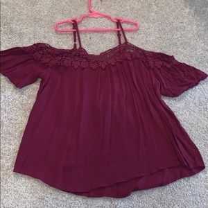 Off the shoulder maroon shirt. SIZE S